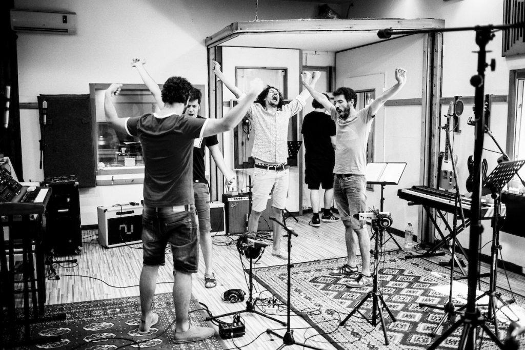 26 juliol de 2016- Els Amics de les Arts graven nou disc als estudis Ground Black Pepper de Cornellà de Terrri (Girona). FOTOGRAFIES DE TONI VILCHES.